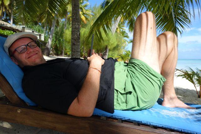 Cookinseln: Strand vor den Tamanu Beach Bungalows