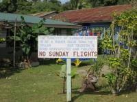 Cookinseln: Protestschild gegen Sonntagsflüge
