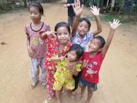 Kinder aus Chi Phat