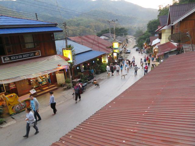 Laos: Pakbeng