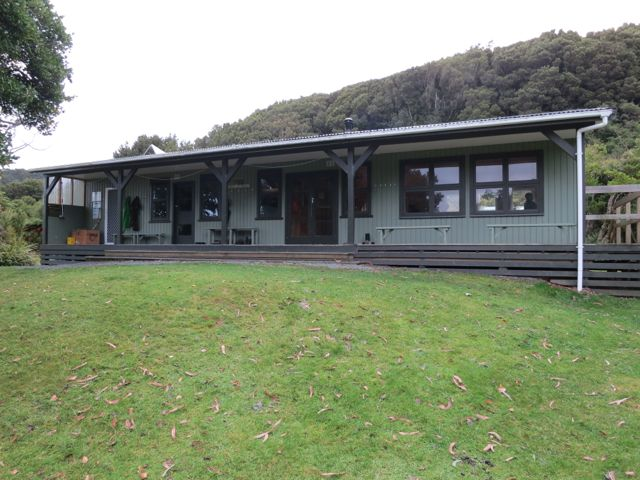 Stewart Island: Port William Hut