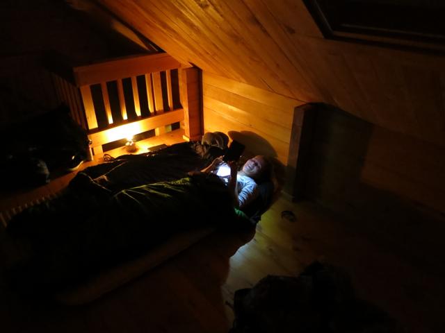 USA: Bettzeit in der Anan Bay Cabin, Alaska