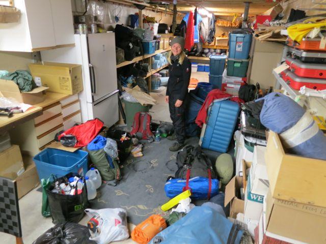 Kanada: Sortieren des Gepäcks für die Yukontour in Whitehorse